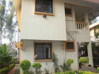 Luxury Four Bedroom Bungalow on Rent with Swimming Pool in Lonavala