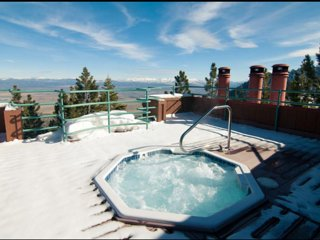Breathtaking Mountaintop Resort, Stateline