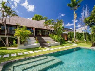 Villa Mahe - Luxury 3 Bedroom Villa in Umalas