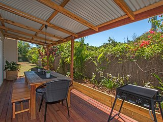 A Sunday Cottage - Classic Byron cottage close to the heart of Byron, Byron Bay
