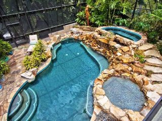 Seahorse Cove: 5BR Amazing Pool Home with Dock