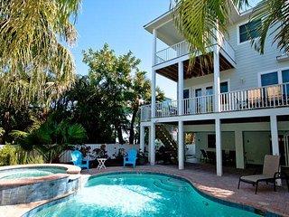 Twin Heron: 4BR Family-Friendly Pool Home, Holmes Beach
