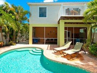 LimeMariaVille: 3BR Family-Friendly Pool Home, Holmes Beach