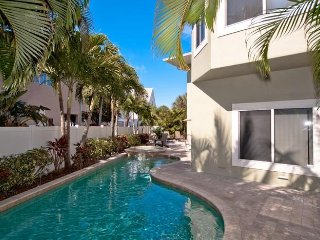 Dragonfly Breeze: 3BR Family-Friendly Pool Home