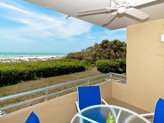 Beaches and Dreams: 2BR Beachfront Condo with Pool