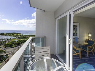Ocean View Ala Moana Hotel Studio with Panoramic Views