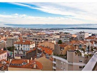 Bel appartement en plein centre de Cannes avec vue mer