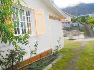 House with 2 bedrooms in Cilaos, with enclosed garden - 42 km from the beach