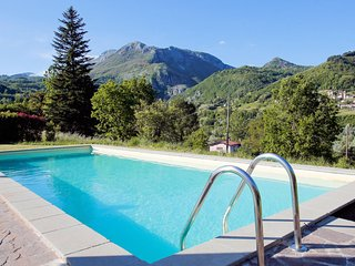 Why is Casa Norma Special? Incredible views, an outdoor oven and free wine!
