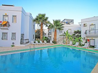 Bodrum Gümbet Apartment With Shared Swimming Pool # 162