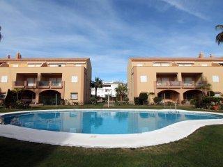 Apartamento planta Baja en Novo Atlantico Golf 3 dormitorios, cerca de la playa.