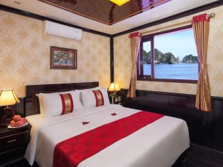Ha Long Bay MoonLight Cruise 2 Days 1 night
