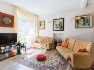 Stunning 70sqm 2BR/2BA Duplex flat for 3 guests near Eiffel Tower – P15, Paris