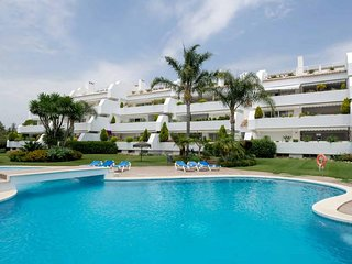 Beachside luxury apartment with panoramic views