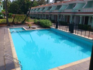 Zen Gardens 2 Bedroom 1 Bathroom Apartment, large roof terrace overlooking pool