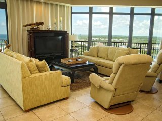 4 BR, 4.5 Bath ~ West Corner Condo ~ Sleeps 14 ~ All Tile ~ Phoenix West 1101