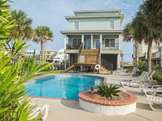 8 BR ~ 8 Bath ~ Great Location ~ Pool ~ Sleeps 24 ~ Southern Secret East/West