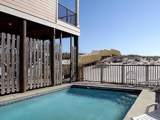 9 BR ~ Gulf Front ~ Private Pool ~ All Tile ~ Sleeps 28 ~ Sunrays Beach House