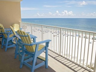 Fall Into A Vacation ~  All Tile ~  Sleeps 9 ~ Gulf Front ~ Great Location ~ San