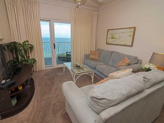 2 BR, 2 Bath ~ Bonus Bunk Room ~ Gulf Front ~ Sleeps 8 ~ Great Location