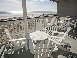 Great Location ~ 3 Bed, 2 Bath ~ Sleeps 6 ~ Regatta 104B