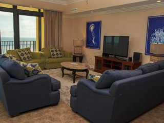 4 BR ~ 4.5 Bath ~ Gulf Front ~ Great Amenities ~ East Corner ~ Sleeps 14