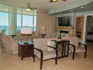 Corner Condo ~ 4 bed, 4.5 Bath ~ Sleeps 15 ~ Turquoise Place 1201D