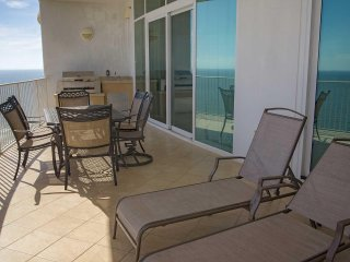 Gulf Front ~ Sleeps 13 ~ Gulf Front ~ Turquoise Place 2202C