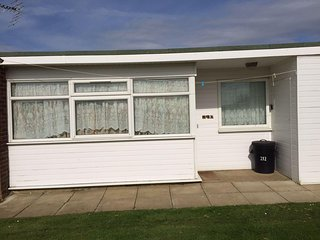 California Sands - Sunny 2 Double Bedroom Holiday Chalet, Hemsby