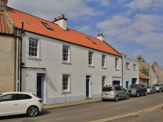 Sanderling - beautifully restored 3 storey townhouse in the heart of Pittenweem