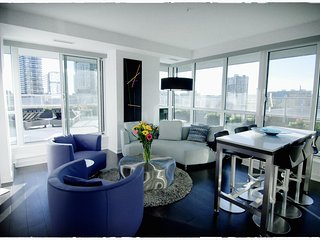 LUXURY 3 Bed, DOWNTOWN Oasis with 1000 sq ft. Terrace
