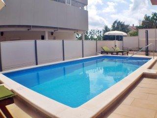 Newly built house with pool near the sea