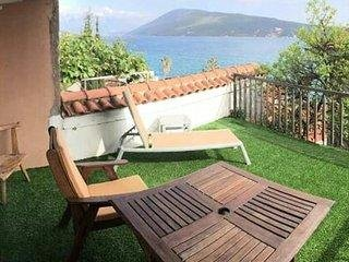 Blue Sea Apartment 4, holiday rental in Meljine