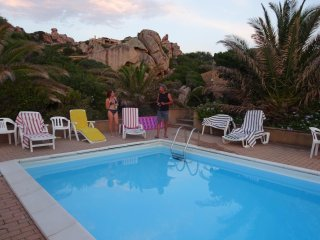 Costa Paradiso: Villa Sole 3 with pool ; 7/9 p. between granites and sea