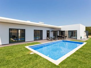 Villa Nooma - amazing Villa with pool, Carrapateira