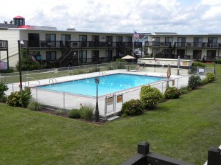 2 Bedroom/1bath Condo near bay and boardwalk, Ocean City