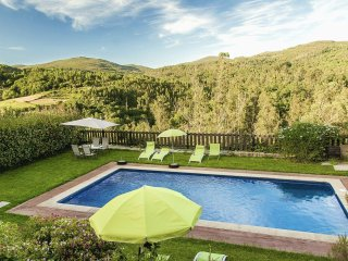 328 Large house with pool near Pontevedra