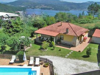 218  Lovely villa with pool and jaccuzi