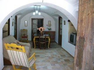 CUEVA BELEN: Cuevas Uropía: Casas Cueva con Historia, Los Banos