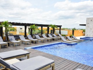Big Pools and Perfect Location close to the 5th Av and the Beach, Playa del Carmen