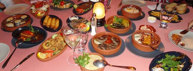 Fantastic food in the many restaurants to cater to all preferences. You can also order deliveries.