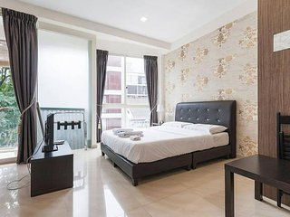 3S Fully-furnish Service Apt nr Farrer MRT; 2 MRT rides to DhobyGhaut at Orchard