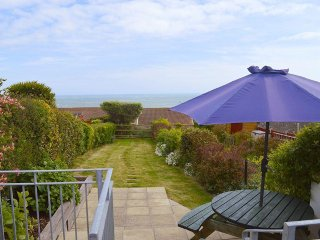 Buckingham Cottage - Perfect seaside cottage with stunning sea views