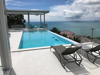 The Pearl, Breathtaking sea view Villa