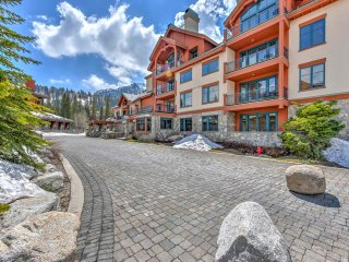 Ski-In/Ski-Out Solitude Mountain Resort Condo!