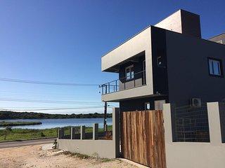 """LOFT+SUITE Vista p/ Lagoa - Lagoinha""""s Guest House"""