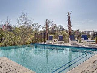 11 Bedroom Luxury in Reunion Resort (550)