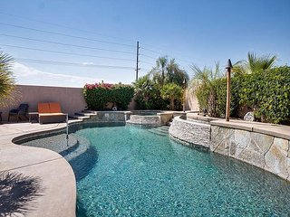 Newly Remodeled 3BR w/ Private Pool & Hot Tub - Close to Shops & Dining