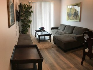 Brand new ShermanWay 3br/2ba Apartment, Los Angeles