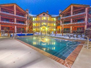 Top Floor Trappeurs Condo - Fantastic Amenities and Location, Great Value, Steamboat Springs